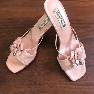 Brighton Pink Open Toe Sandals W/Leather Flower